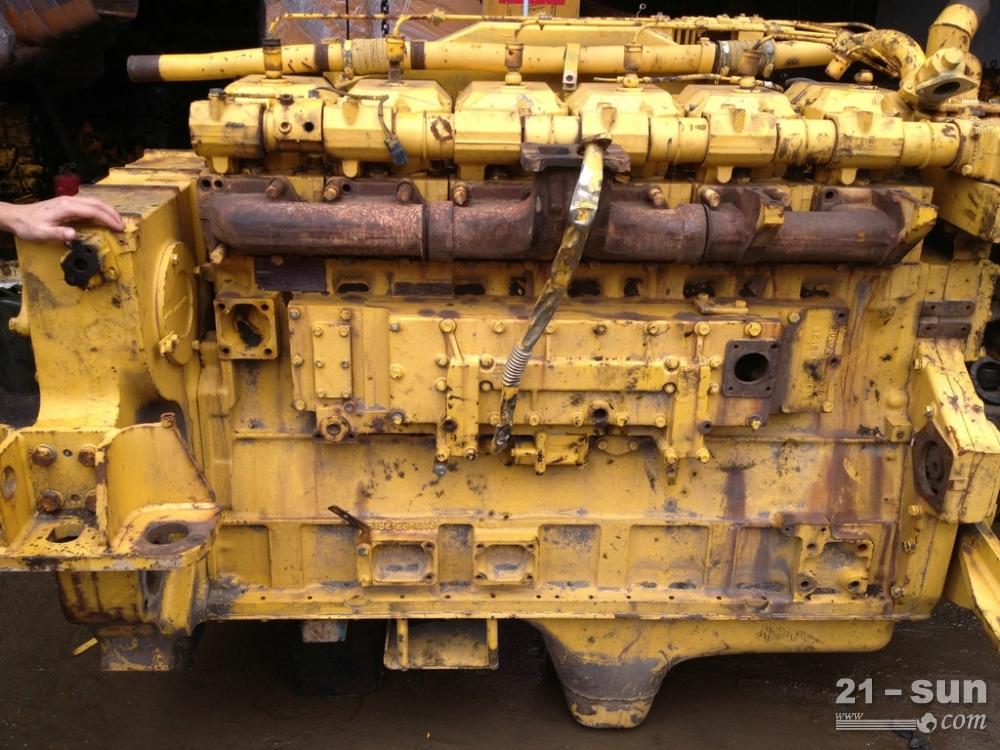 推土机D375发动机
