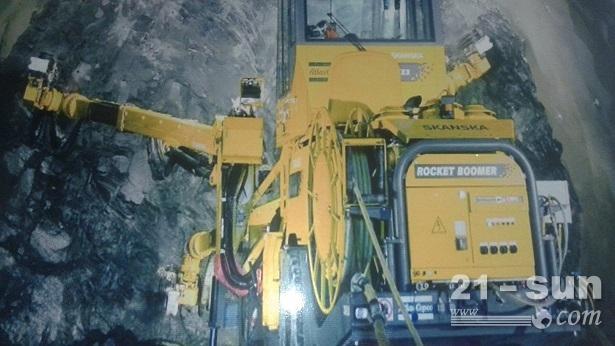 天津亨通利出租进口内燃机车、阿特拉斯隧道凿岩台车、湿喷台车