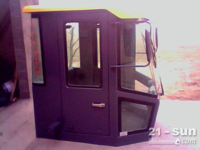 专业制造装载机驾驶室及后机罩 !价格低廉 !