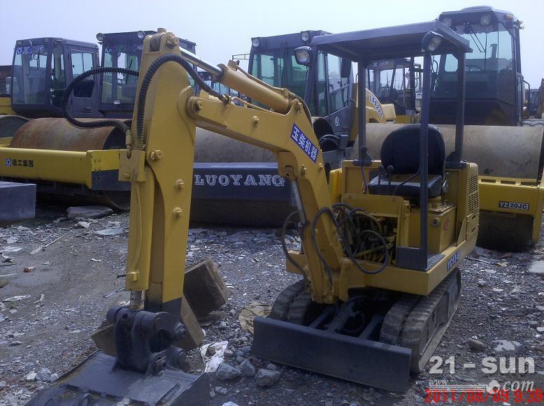 二手13-15-20小型挖掘机出售,山东二手挖掘机买卖