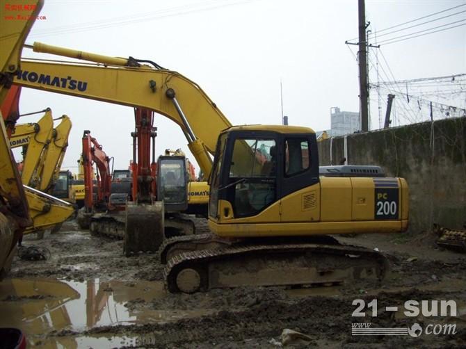 浙江出售二手小松200挖掘机,二手挖掘机哪儿出售,首选沪丰