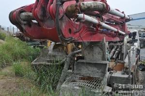 雷沃重工FHM5291THB-37二手混凝土泵车