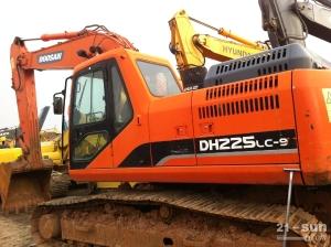 斗山DH225LC-9二手挖掘机