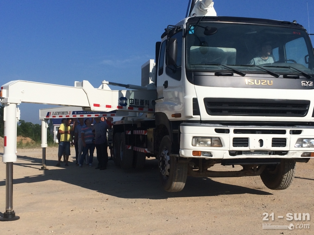 湖南中联重科zl37二手混凝土泵车