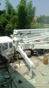 中联重科ZL5418THB二手混凝土泵车