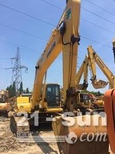 小松PC220利发国际挖掘机
