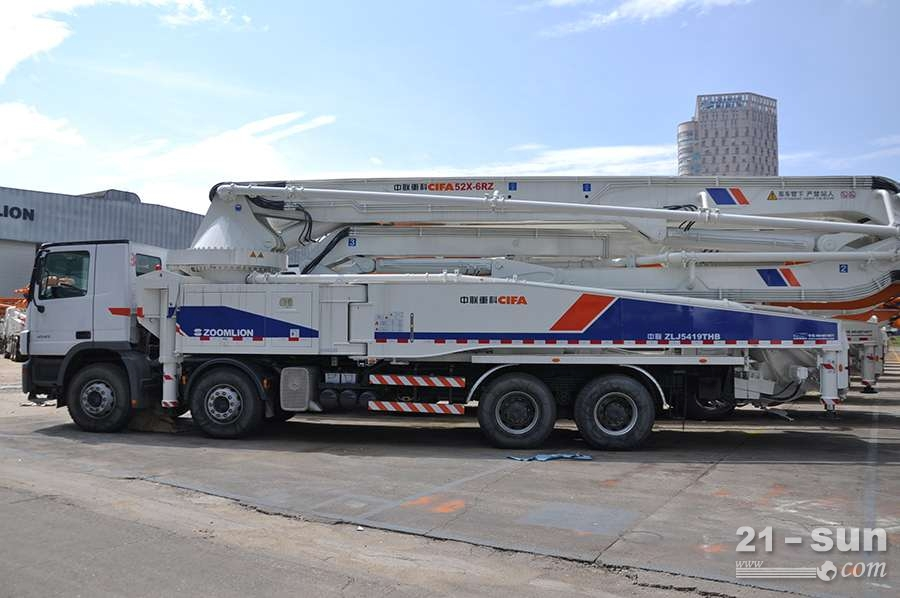 中联重科ZLJ5419THB 5二手混凝土泵车