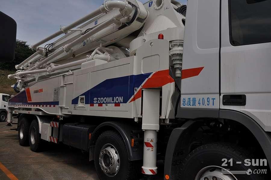 中联重科ZLJ5419THB-5二手混凝土泵车