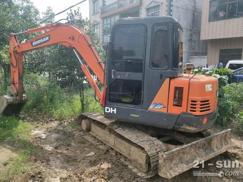 上海斗山二手挖掘机
