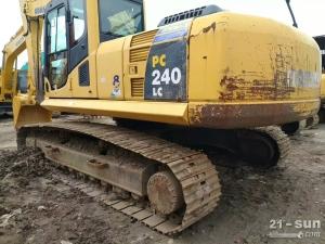 小松PC240-8、220利发国际挖掘机