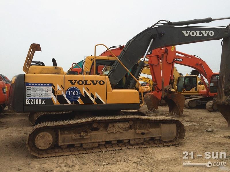 沃尔沃沃尔沃210Blc二手挖掘机