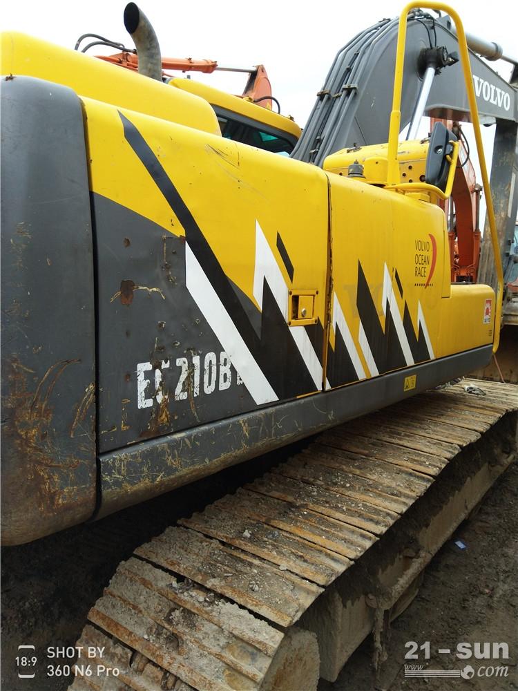 沃尔沃210二手挖掘机