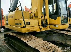 小松笔颁200-7挖掘机在线配资网挖掘机