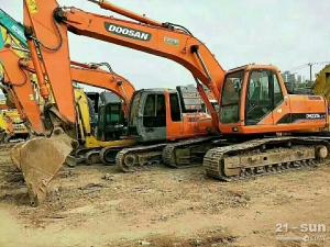 斗山PC225-7挖掘机二手挖掘机