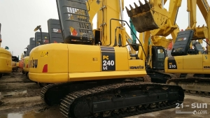 240二手挖掘机