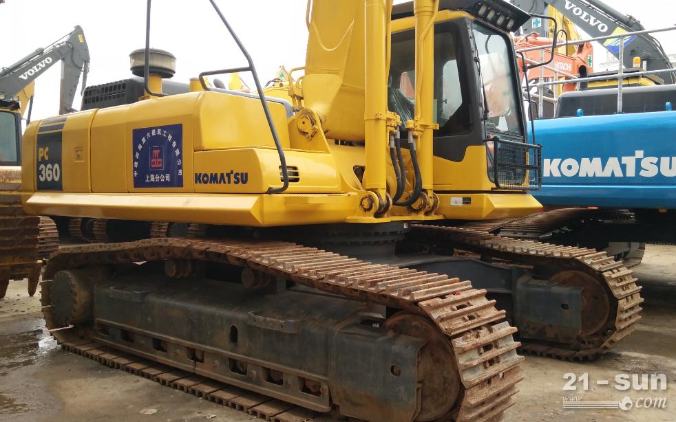 小松220-8利发国际挖掘机