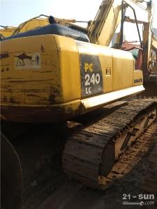 小松PC240-8挖掘机
