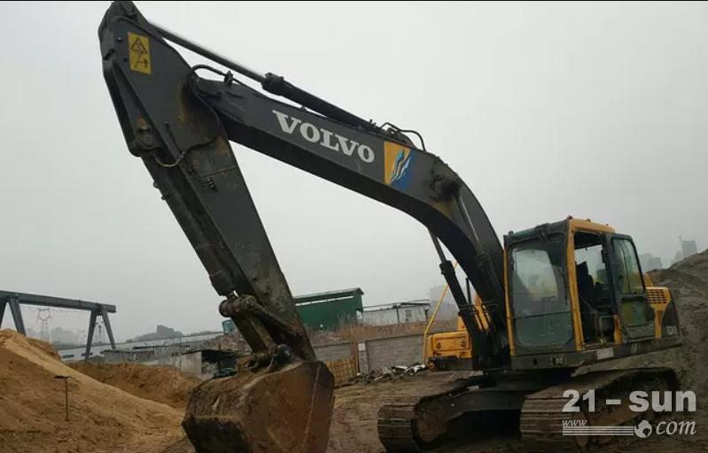 沃尔沃240利发国际挖掘机