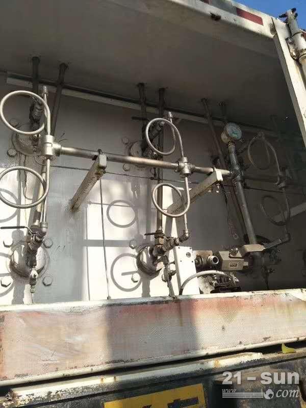 cng8管上二手出售CNG压缩天然气运输车 8管cng槽车尾 cng8管上