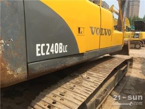 沃尔沃沃尔沃240BLC二手挖掘机
