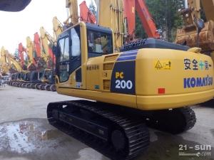 小松PC200、220利发国际挖掘机