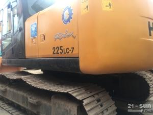 现代现代225-7二手挖掘机