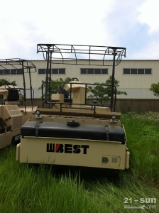 WD138利发国际压路机