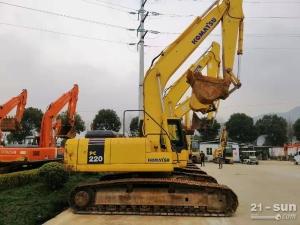 小松220和240二手挖掘机