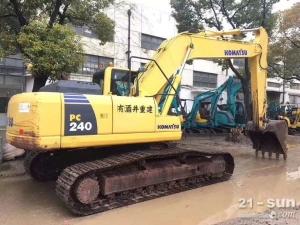 小松PC240色姑娘久久综合网挖掘机