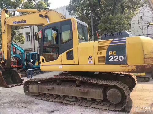 小松PC220-8利发国际挖掘机