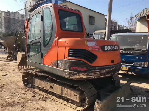 斗山斗山顿颁60色姑娘久久综合网挖掘机