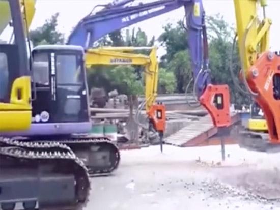 实拍挖掘机破碎锤功能演示,实不实用,看就完了!