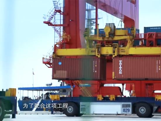 岸桥也有大讲究 每加高1米就要加20吨承重