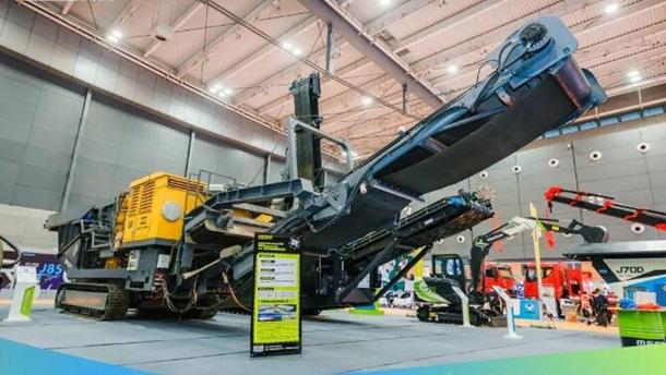 广西美斯达集团亮相2021长沙国际工程机械展