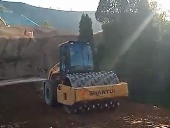 山推机群助力三门峡土方施工