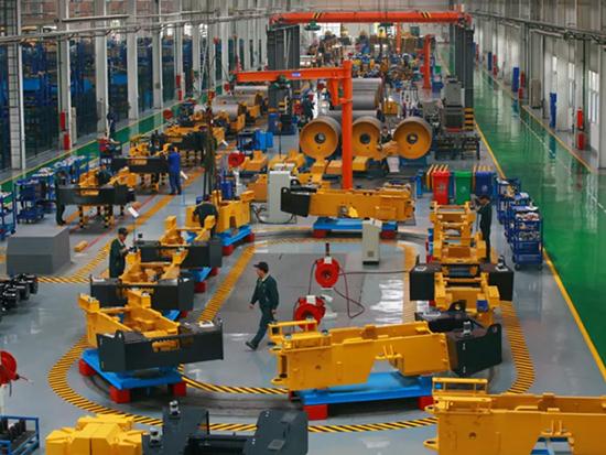 """济宁高新区以""""智能制造""""推动工程机械产业由大变强"""