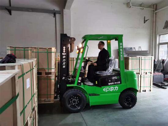 中力用户之声:油改电叉车助力汽车制造企业提高搬运效率