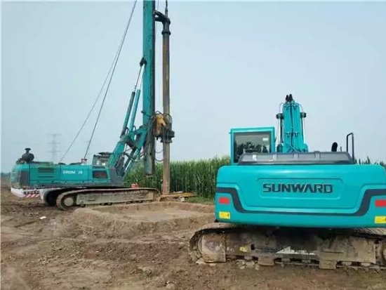 旋挖钻机安全教育山河智能全球服务万里行走进西北