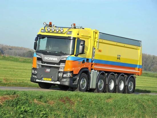 车辆总长不超8米,却容纳了5根车轴,带您见识一辆超短轴距斯堪尼亚G450
