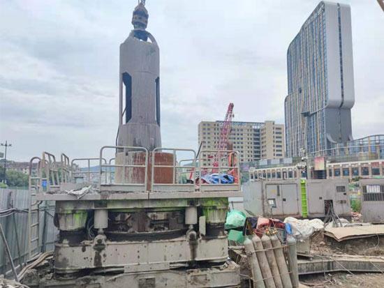 中联首台全回转在杭州持续作战八个月