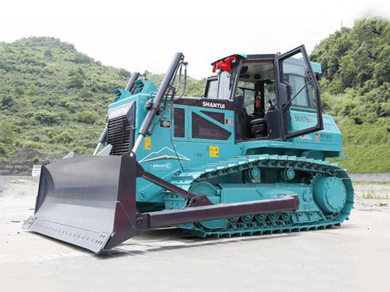 贵州首台纯电推土机实现设备端零排放