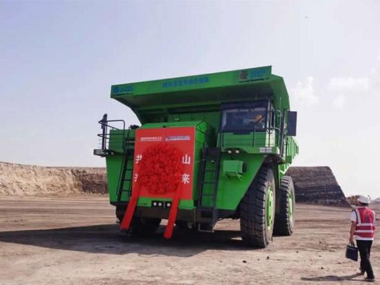 湘电首台120吨纯电交流电动轮投入使用