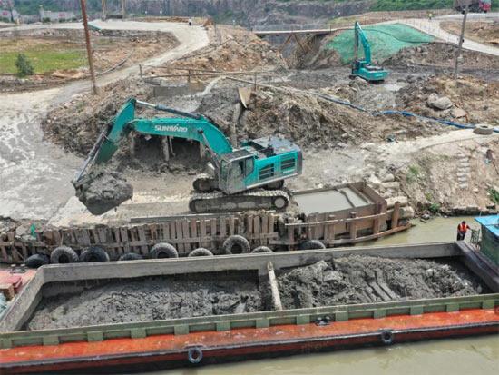 初心源地,山河智能挖掘机实力大显   百年风华筑锦绣山河