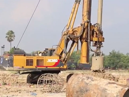 旋挖钻机型号徐工XR220D、ZR160A-1旋挖钻机操作