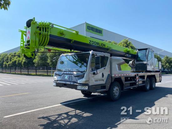 25吨起重机的性价比天花板是什么? 中联重科新品ZTC252E-1给你答案!