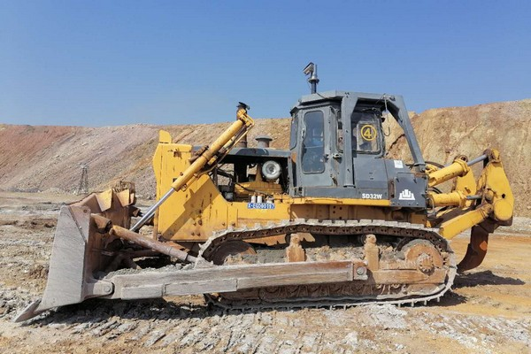 山推推土机助力某大型铜矿