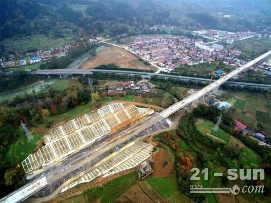 重大项目密集开工 基建投资将温和增长