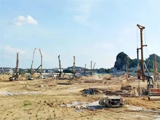 实力包场,徐工旋挖钻群机进驻漓江东岸