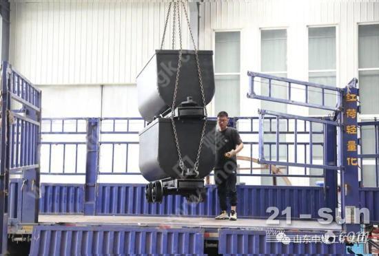 中煤集团一批矿车经广西省出口国外
