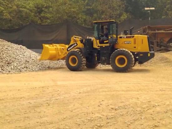 山推L58-C3裝載機西南地區碎石場鏟運作業